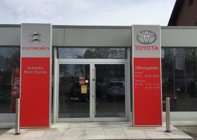 Leuchtkasten Citroen + Toyota