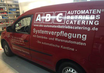 Fahrzeugbeschriftung Roter Lieferwagen